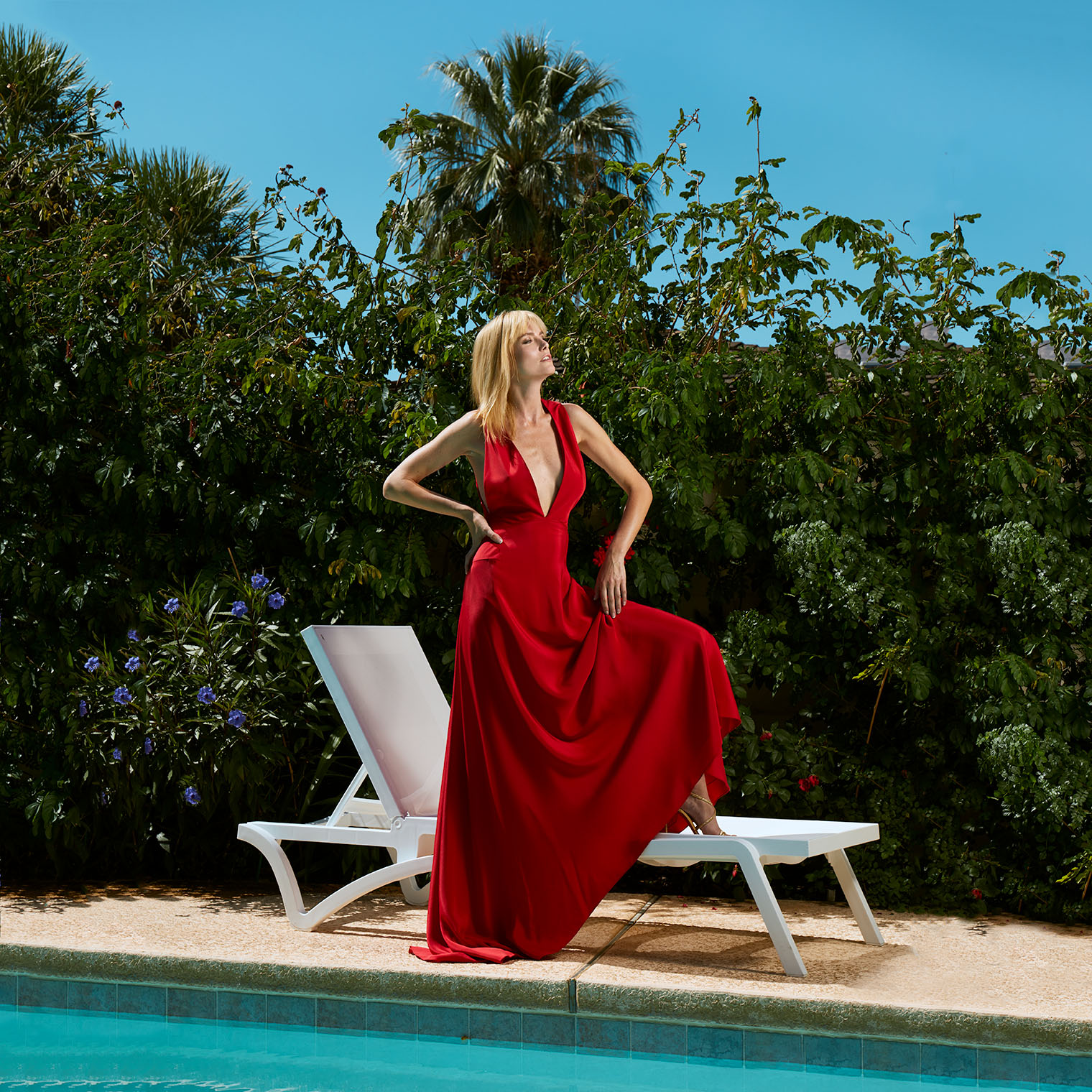 The Lady in Red - Storytelling in Fashion Photography